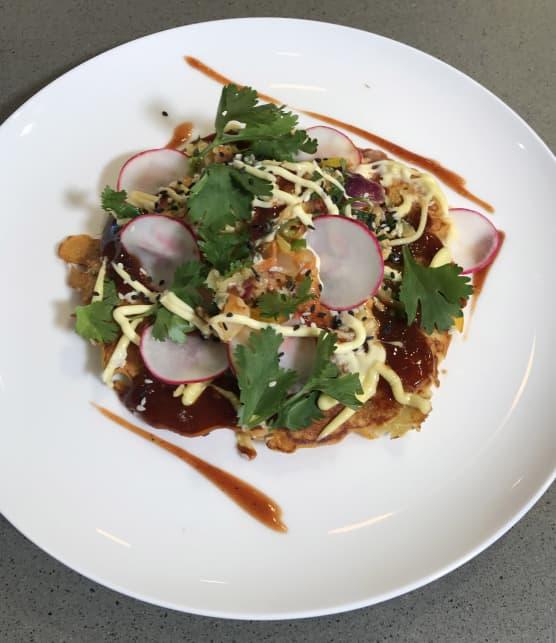 Okonomiyaki aux légumes et sauce Otafuku