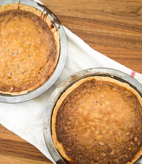 Samuel Joubert nous montre comment faire une tarte aux pacanes et au sucre avec de la bière au miel