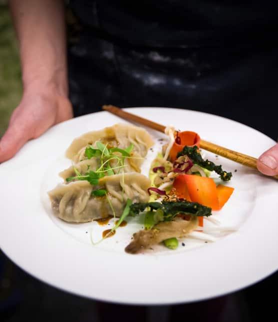 Dumplings au tempeh, aux poireaux et aux champignons sauvages