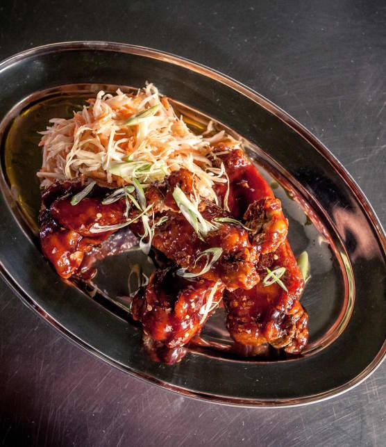 Recette d'ailes de dinde barbecue, salade de chou