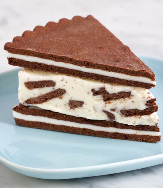 Gâteau glacé aux biscuits et à la crème