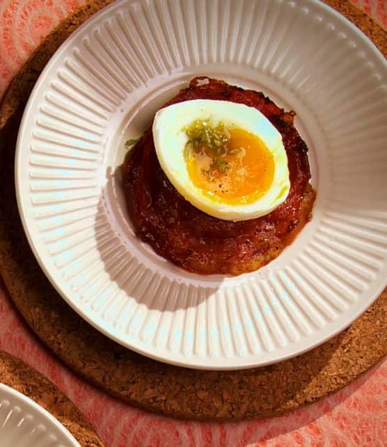 Raviolis de charcuterie et fromage avec œuf poché