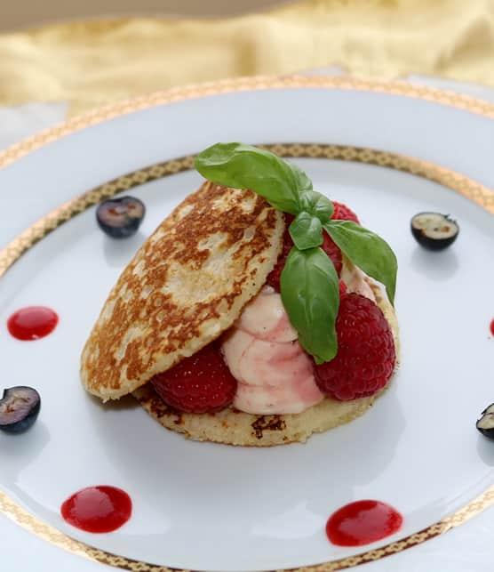Blinis sans gluten à la crème de framboises