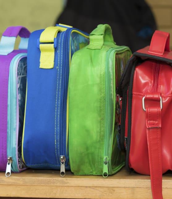 5 trucs pour enlever les mauvaises odeurs des boîtes à lunch