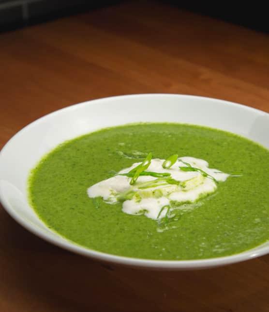 Potage aux brocolis et épinards