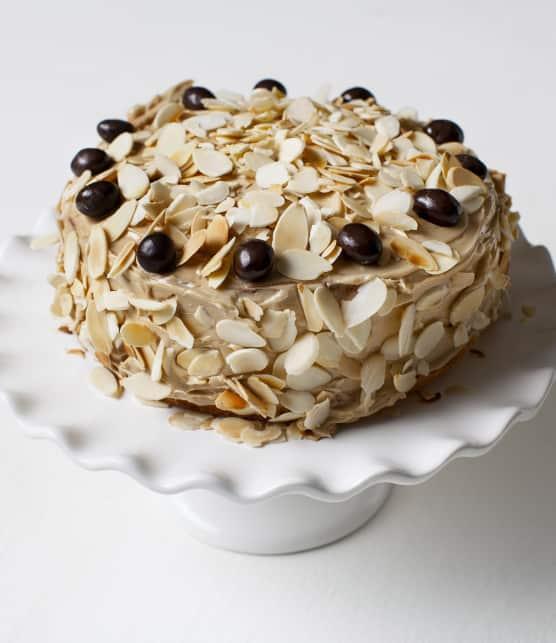 Gâteau étagé au café et aux amandes