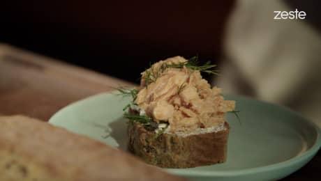 L'avant-match des foodies - Smorrebrod aux pépites de saumon fumé