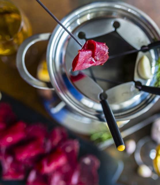 10 machines et accessoires pour une soirée fondue et raclette
