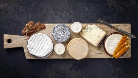 Dans quel ordre devons-nous goûter les fromages sur un plateau de dégustation?