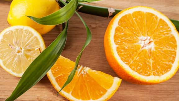 Oranges et pacanes à l'érable en papillote
