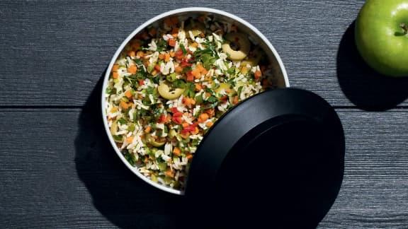 Mardi : Salade de riz aux olives et aux légumes