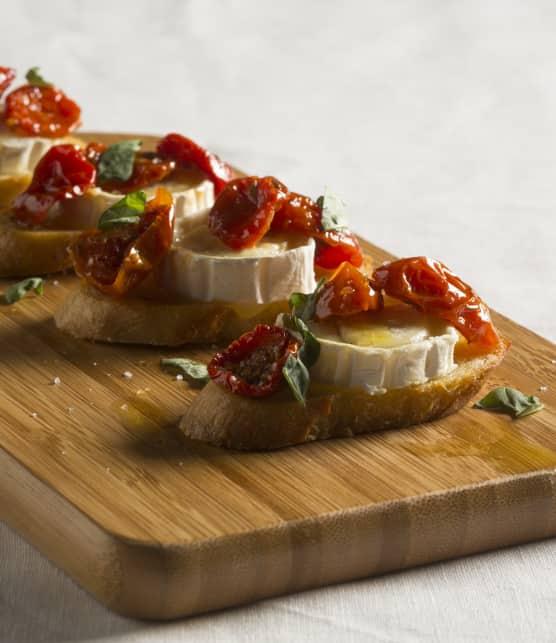 Bruschetta paillot de chèvre et tomates séchées