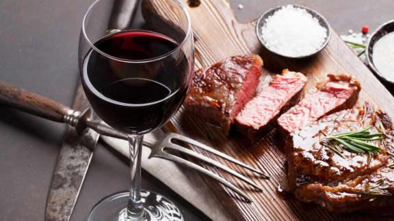 Vins et viandes rouges : 10 accords proposés par nos sommeliers