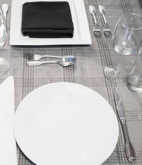 comment dresser la table dcouper les mets et prsenter les plats