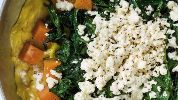 Mercredi :  Omelette aux patates douces, épinards à la muscade et la feta