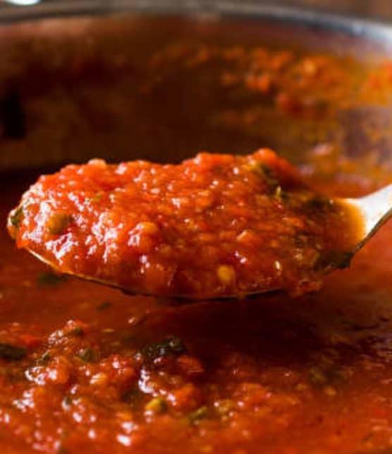 5 aliments pour améliorer une sauce tomate du commerce