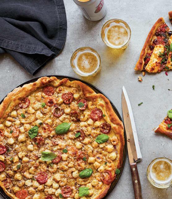 Fine pizza aux fruits de mer et aux agrumes