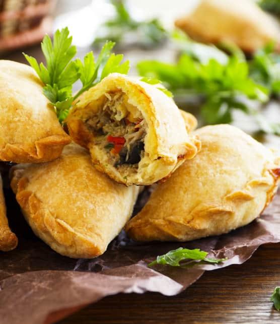 Empanadas de thon aux olives noires et au kale