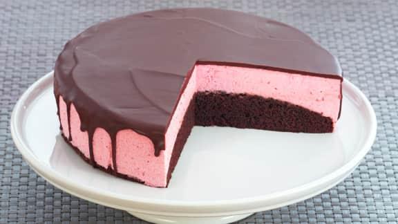 Gâteau choco noir et mousse framboise