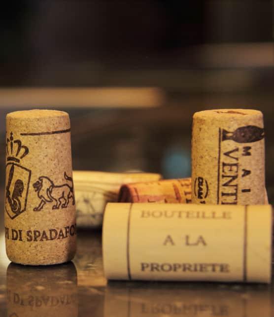 Bouchons de vin: liège ou capsule à vis?
