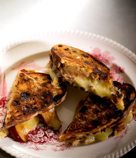 Préparer un grilled cheese cochon