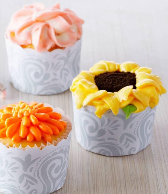 Cupcakes à la vanille et glaçages floraux