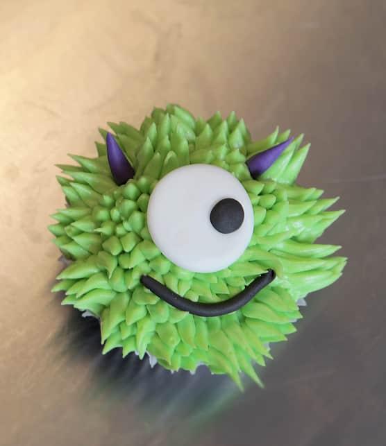 Comment faire des cupcakes monstrueux en 8 étapes faciles