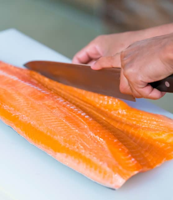 Le saumon cru : 3 coupes essentielles à connaître selon Matthieu Gautier
