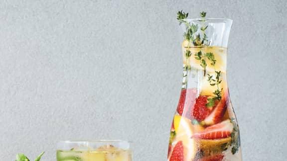 Eau citron, fraises et thym