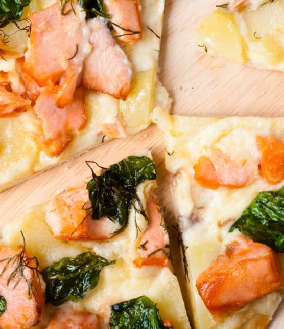 pizza au saumon et aux épinards