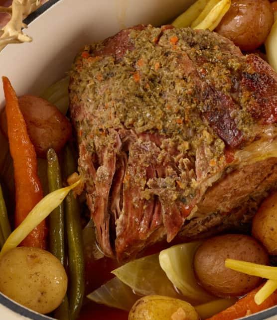 bouilli d'échine de porc et légumes aux herbes salées