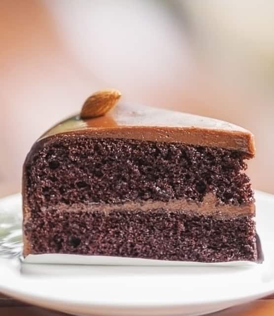 gâteau-mousse aux poires, pacanes et marrons confits