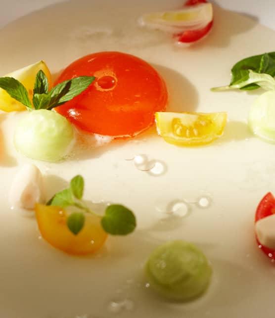 déconstruction d'un gaspacho, sphérification de poivrons rouges