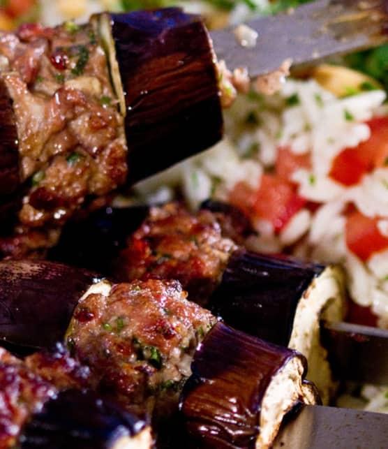 kebabs d'agneau et d'aubergine à la turque