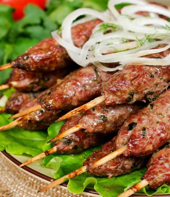 kebabs d'agneau aux pistaches