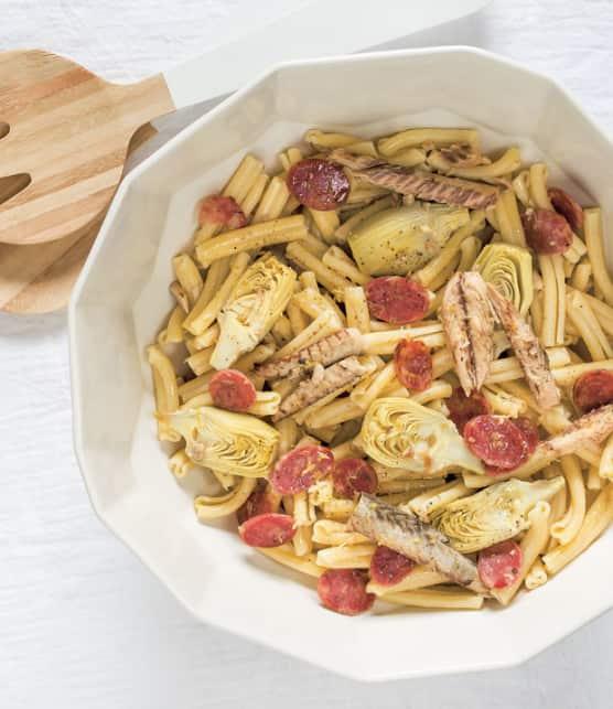 pâtes casareccia au maquereau, artichaut, citron et saucisson