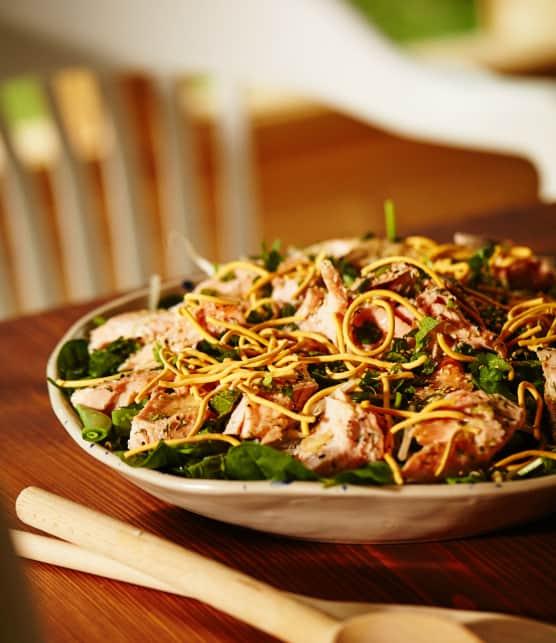 Salade-repas aux restants de saumon