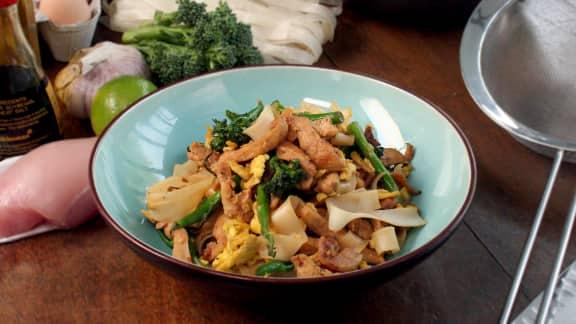 Sauté de poulet aux nouilles de riz