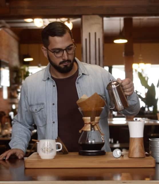 Comment faire un bon café Chemex selon Brûleries FARO