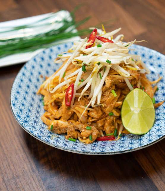 Pad thaï authentique au poulet