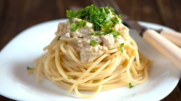Spaghetti au poulet, citron, parmesan et persil