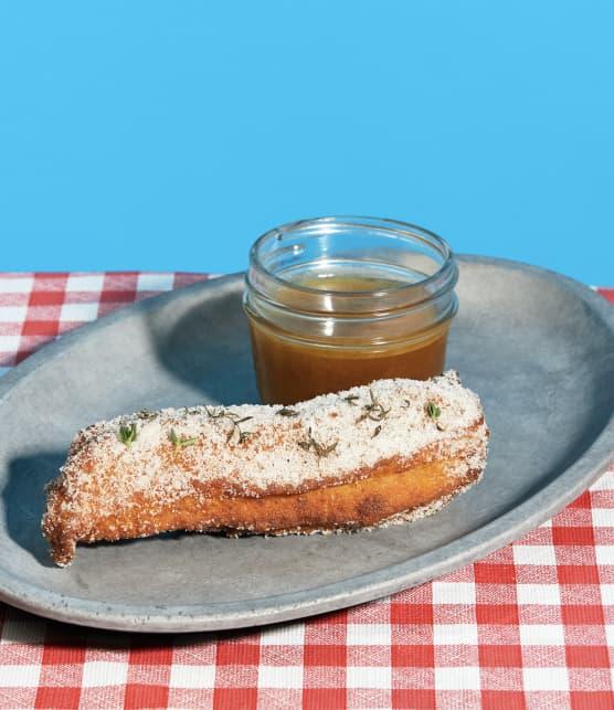Churros aux épices à tourtière, caramel au sirop d'érable