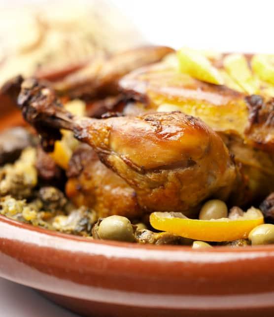 tajine de poulet aux citrons confits et aux olives vertes