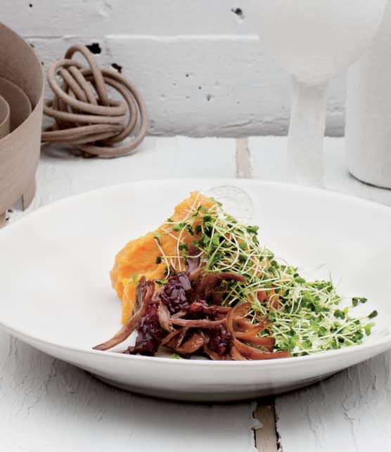 Canard confit, pousses de brocoli et purée de patates douces et de fenouil