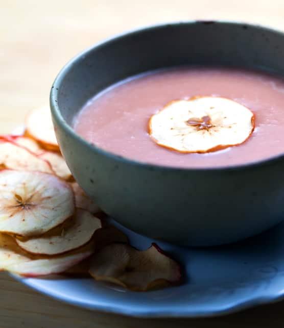 Recette de soupe aux pommes, céleri-rave et sirop d'érable