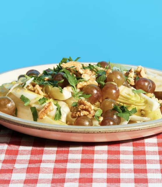 Salade de raisins et endives, vinaigrette à l'érable
