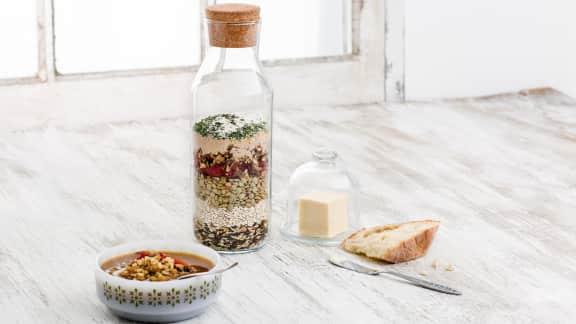 Soupe maison aux tomates séchées, aux champignons et au riz sauvage