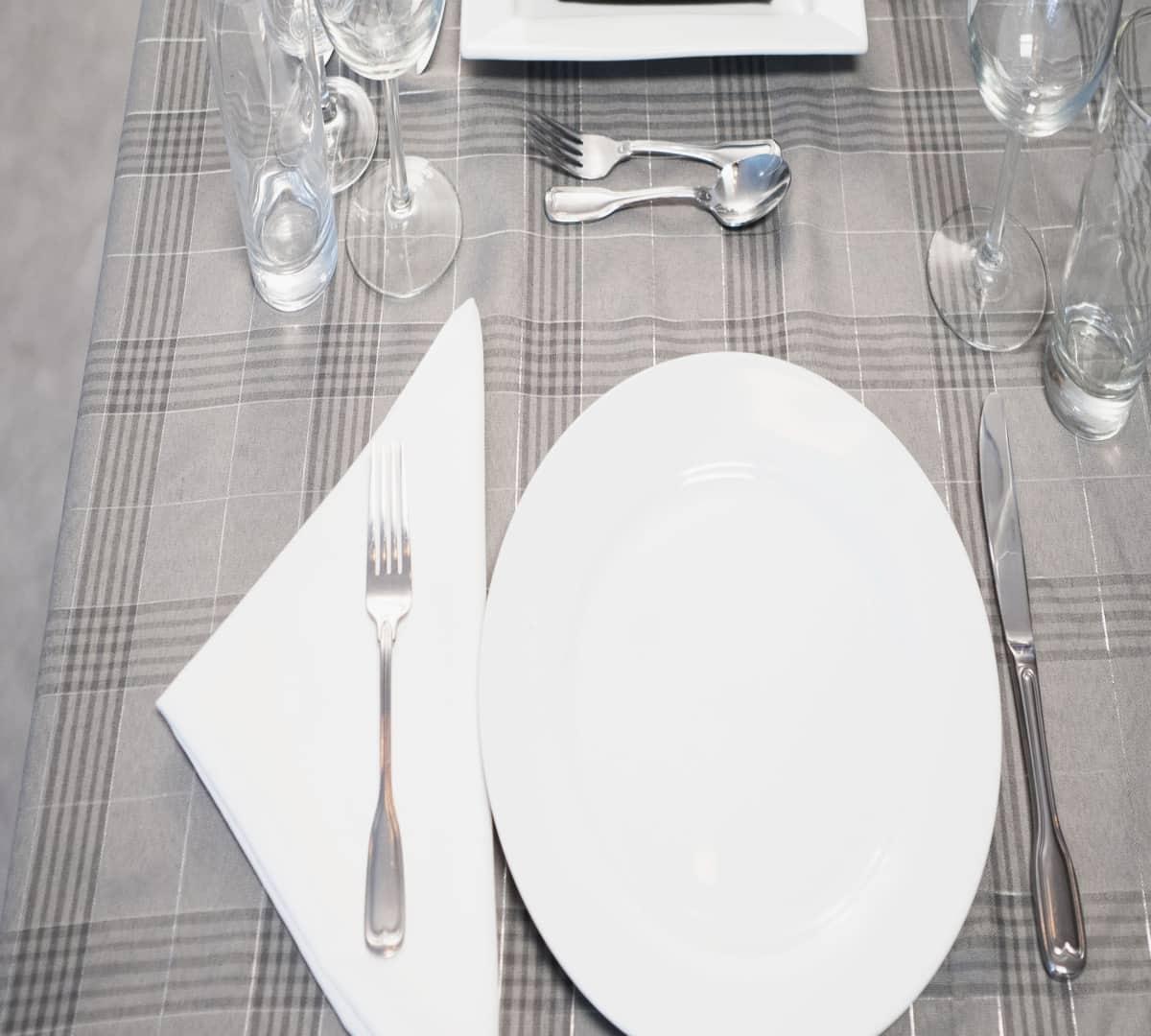 Comment dresser une table selon Denis Grondin