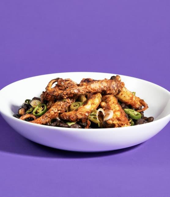 Pieuvre façon Buffalo wings et salade de haricots noirs