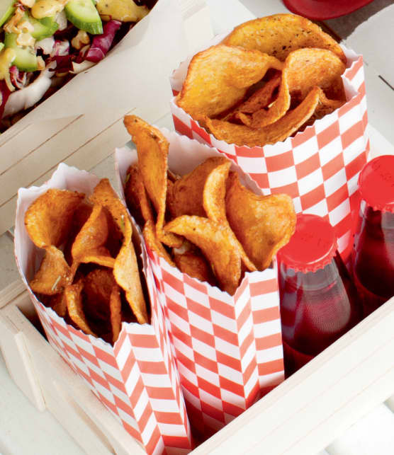 Chips de pommes de terre frites au romarin